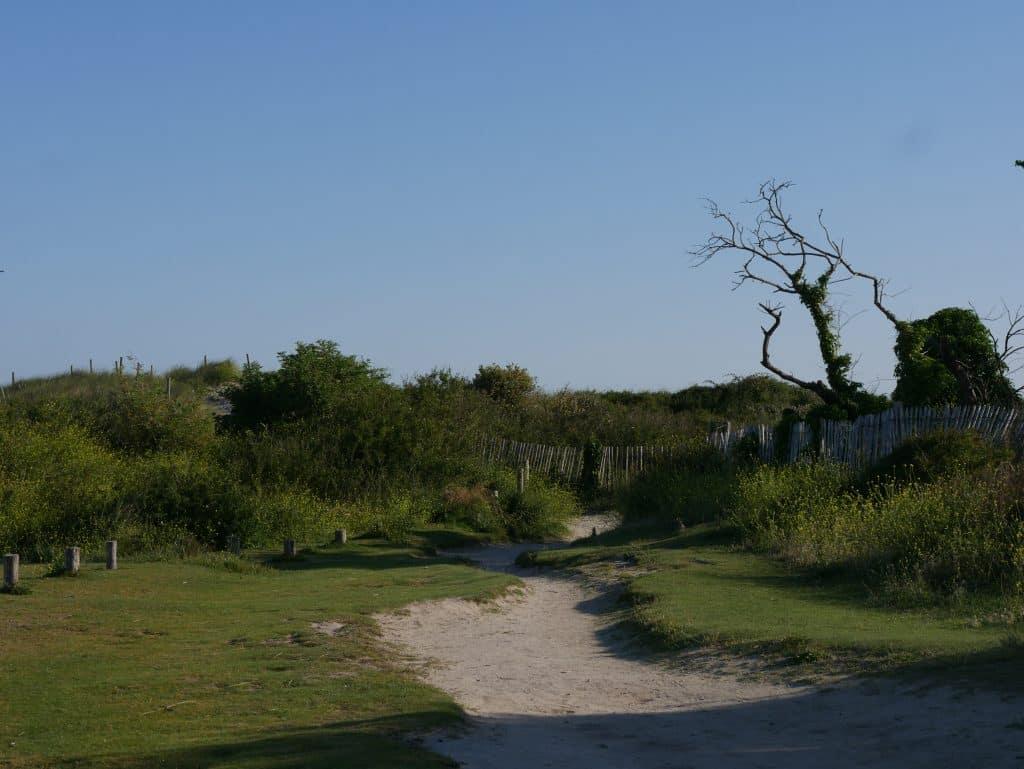 chemin GR34 randonnée longe qui longe le camping